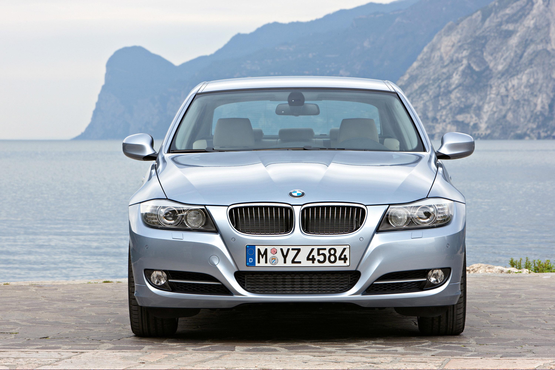 BMW 3 серии признан самым надежным автомобилем в Великобритании - фотография №1