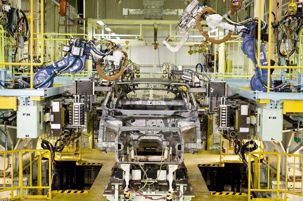 Начинается производство нового Honda FCX Clarity на топливных элементах автомобиля - фотография №1