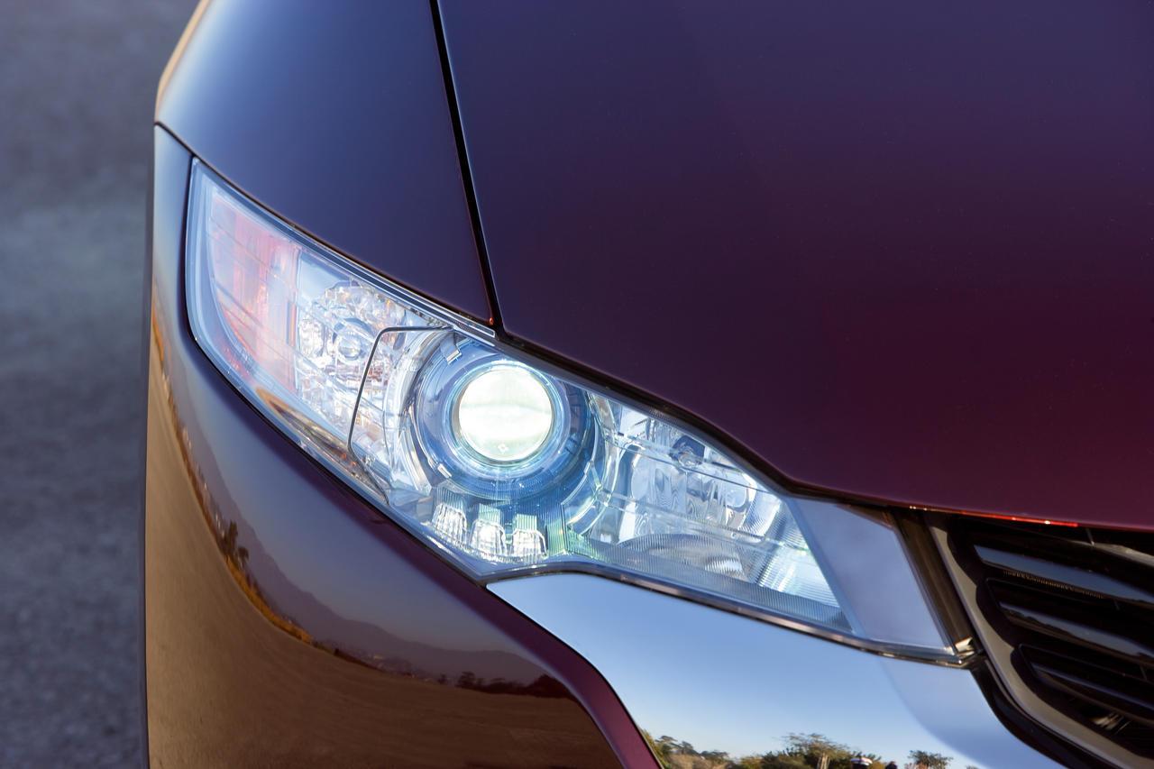 2008 Honda FCX технические характеристики и особенности - фотография №8