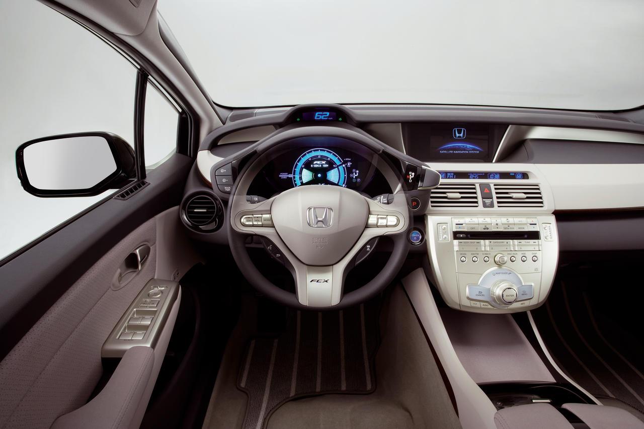 2008 Honda FCX технические характеристики и особенности - фотография №16