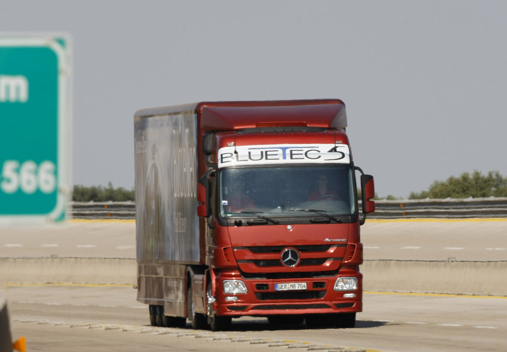 Mercedes-Benz Actros в Книгу рекордов Гиннеса - фотография №1