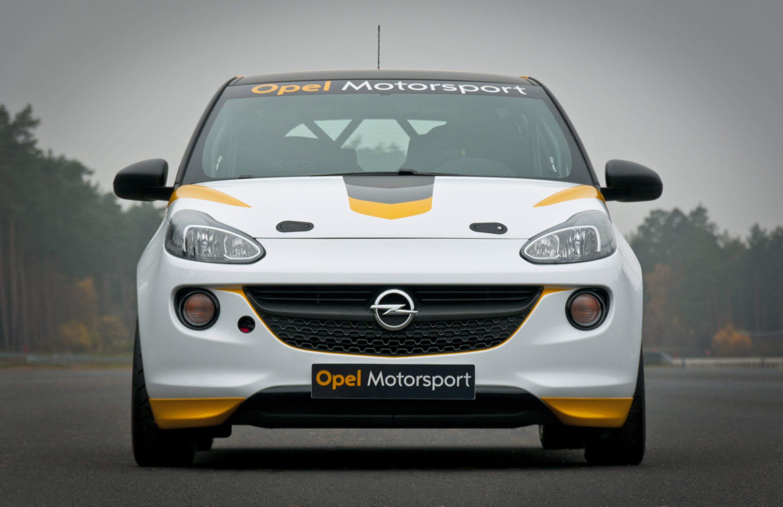 Opel Adam Cup в гонке вместе с Opel Astra Cup