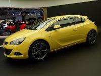 Opel Astra GTC Frankfurt 2011