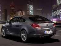 Opel Insignia four-door notchback and five-door hatchback