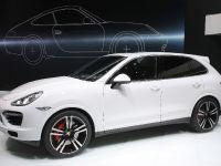 Porsche Cayenne Turbo S Detroit 2013