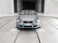 thumbs Sylvie van der Vaart in BMW wind tunel
