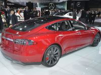 Tesla Model S P85D Detroit 2015
