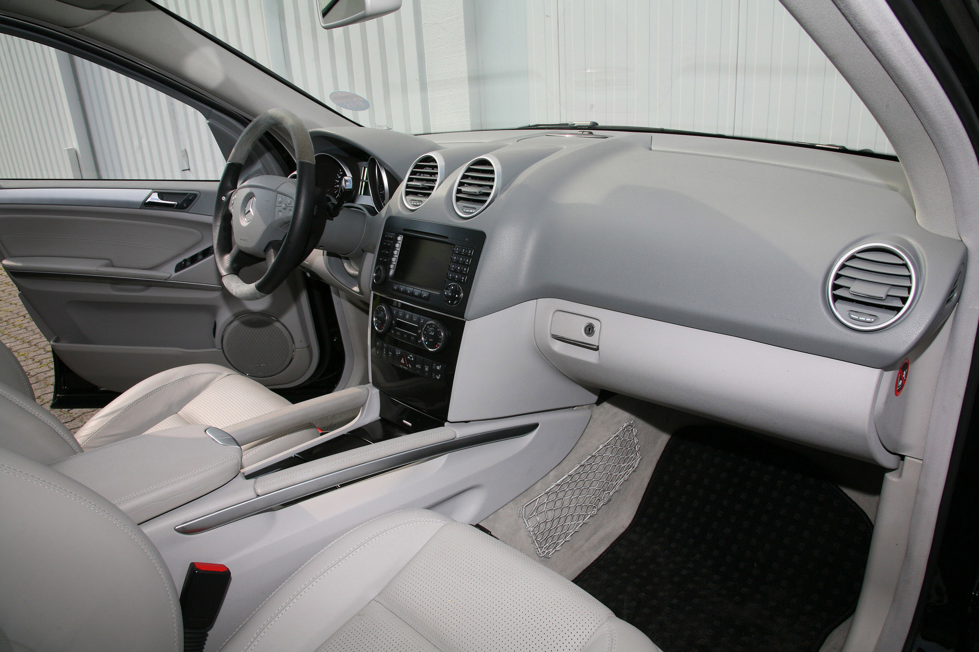 VATH Mercedes-Benz ML63 AMG - фотография №9