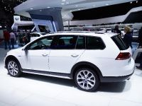 Volkswagen Golf Alltrack Paris 2014