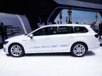 Volkswagen Passat GTE Paris 2014