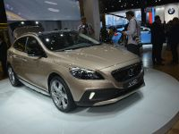 Volvo V40 Cross Country Paris 2012